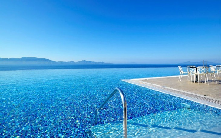 the top 5 infinity pools of the greek islands travel zone greece. Black Bedroom Furniture Sets. Home Design Ideas
