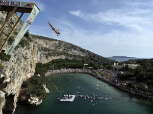 red_bull_cliff_diving_03