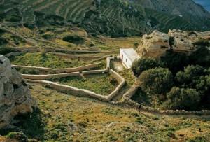hiking_folegandros