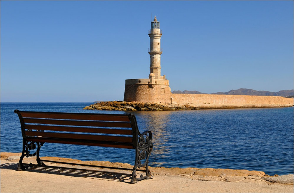 lighthouse+in+chania+port