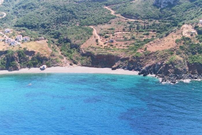 mon beach velanidia