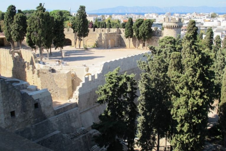 Bastion-of-the-Grand-Master%u2019s-Palace_Rhodes-768x512