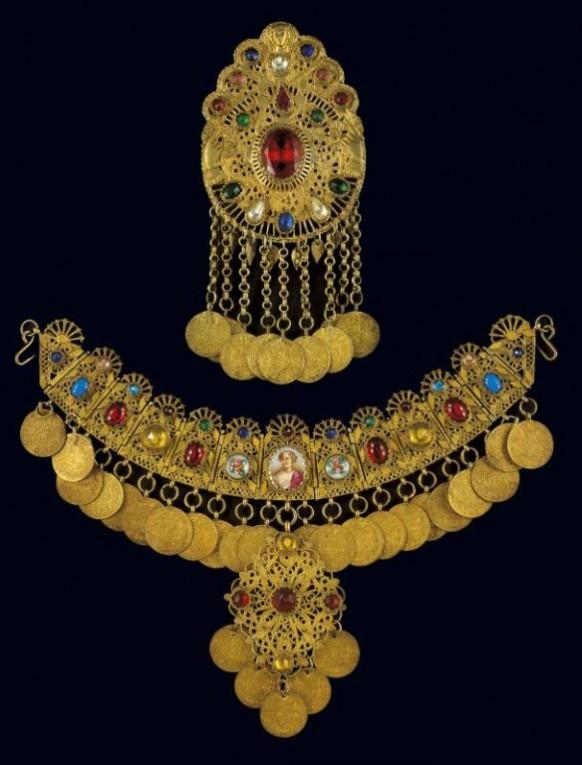 jewelry-exhibition-benaki-museum-584x768