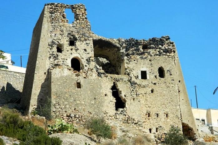 santorini goulas castle emporeo_santor-out