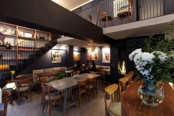 3c447e166d 14 Wine bars for lovers in the center of Athens!