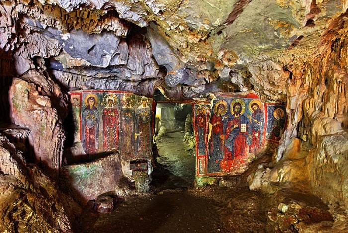 cave of agia sophia
