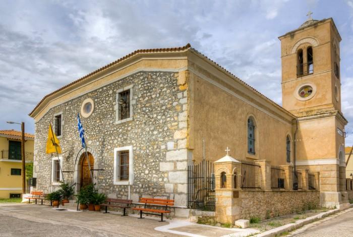 Galaxidi churches